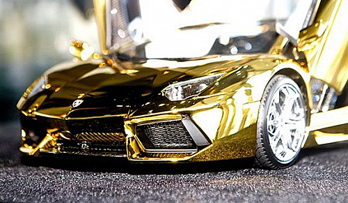 7 5m Scale Model Of Lamborghini Aventador Is Fashioned From A Half