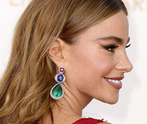 Sofia Vergara Rocks the Emmy Awards in Emeralds, Rubies ... Blake Lively Ring