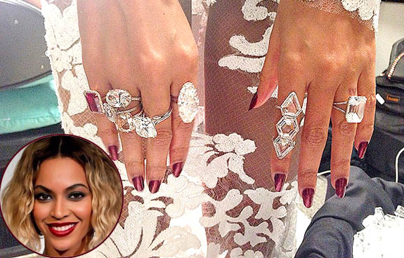 Beyonc Rocks the Grammys With Seven Statement Cocktail Rings