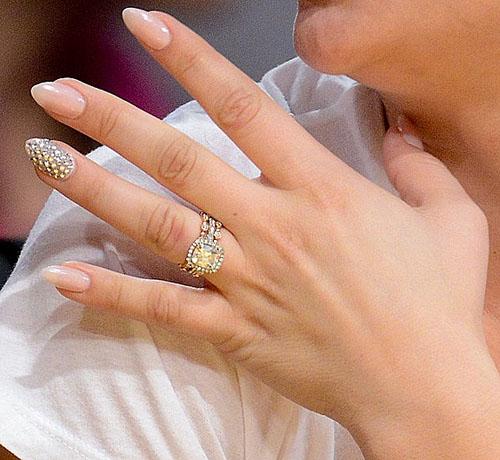 Маникюр на один палец