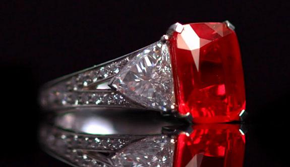 London Jeweler Laurence Graff Wins Back 8 6 Carat Graff