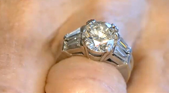 She placed her 3.1-carat diamond engagement ring 2663f5368