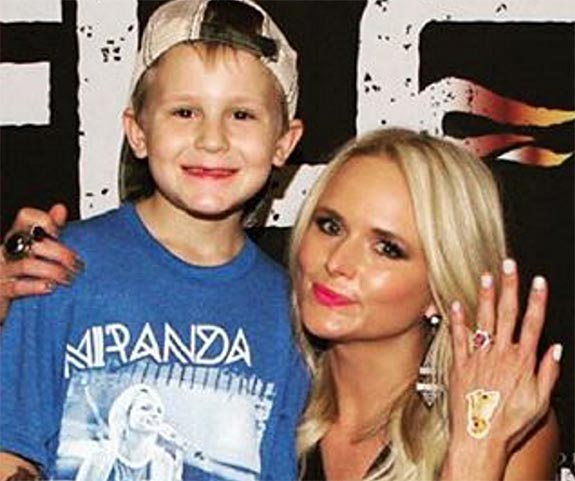 miranda lambert accepts pink engagement ring from sixyear