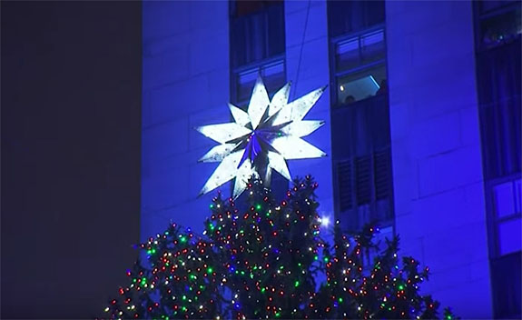 Star Atop the Rockefeller Center Christmas Tree Weighs 550 Pounds ...
