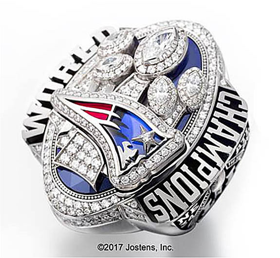 871782b92 The National Football League maintains an unwritten rule that allows the  teams with multiple Super Bowl victories to design the most extravagant  rings.