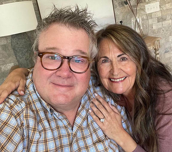 Online Shop Trend Now eric2 'Modern Family' Star Eric Stonestreet Pops the Question with Oval-Cut Diamond Ring