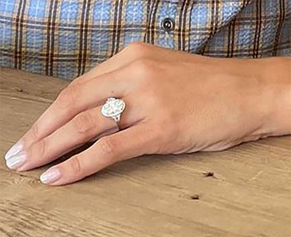 Online Shop Trend Now eric3 'Modern Family' Star Eric Stonestreet Pops the Question with Oval-Cut Diamond Ring